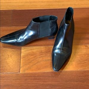 Black leather Unisa booties